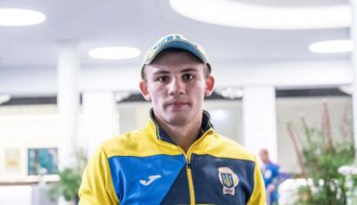 Украинский боксер победил россиянина в финале отбора на Олимпийские игры