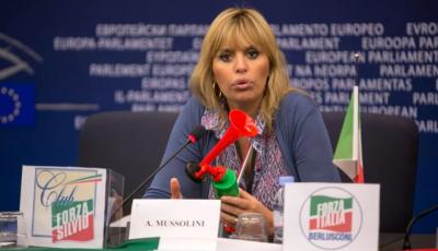 Зеленский снял санкции с внучки Бенито Муссолини