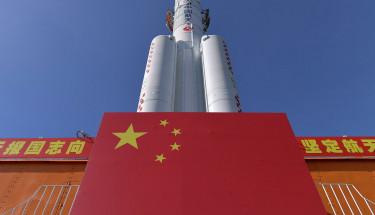 Китай испытал мощнейший в мире монолитный твердотопливный ракетный двигатель