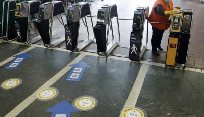 Відсьогодні в Києві обмежуватимуть вхід пасажирів у метро