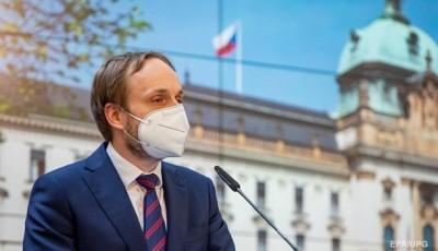 Чехия вышлет еще 63 сотрудника посольства России