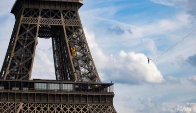 Париж: Новый военный альянс США отразится на НАТО