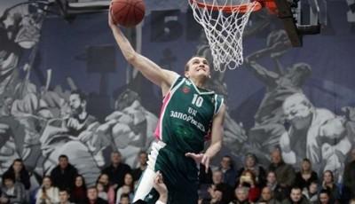 Один із найяскравіших баскетболістів України в комі після падіння з велосипеда