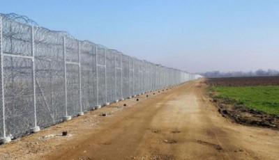 Пограничники с помощью техники приступили к инженерно-техническому обустройству границы