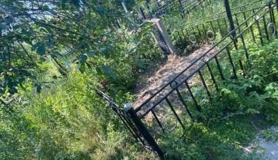 Под Киевом трое мужчин убили собутыльника и спрятали его тело на кладбище