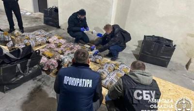 Четверо граждан Турции ввезли в Украину тонну героина под видом риса