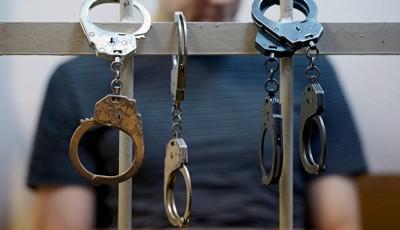 У столиці поліція затримала двох чоловіків зі зброєю та боєприпасами