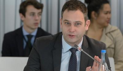 Густав Грессел: Росія прагне скористатися світовою кризою, але безуспішно