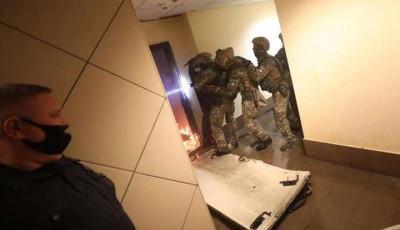 Стрілянина у Києві. МВС повідомило про стан пораненого полісмена