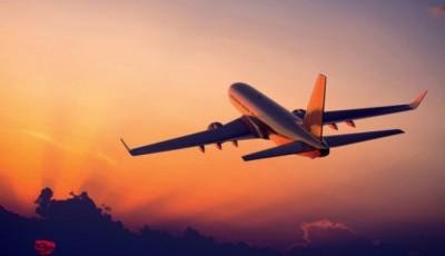 Летом попробуем вернуть внутреннее авиасообщение, международное восстановится не ранее осени, - Кулеба