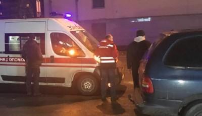 В Киеве неадекватный пассажир с ножом напал на таксиста (ВИДЕО)