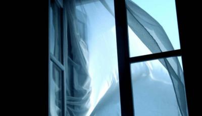 В Киеве 35-летний мужчина совершил самоубийство, выпрыгнув из окна