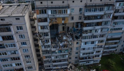 Под завалами разрушенного дома на Позняках нашли тело еще одного погибшего
